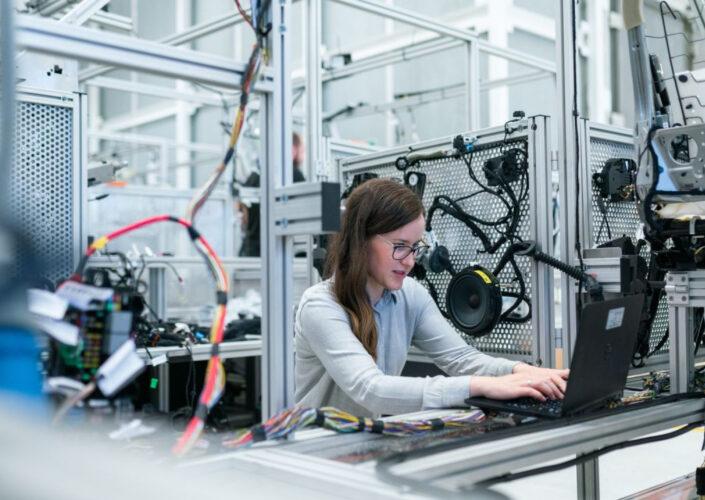Najbardziej poszukiwani inżynierowie na rynku pracy – prognoza na 2021 rok
