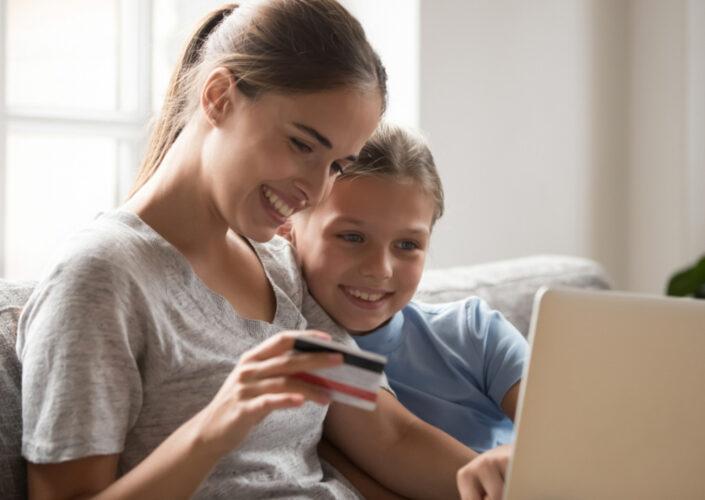 Aplikacje mobilne wprowadzają dziecko w świat finansów