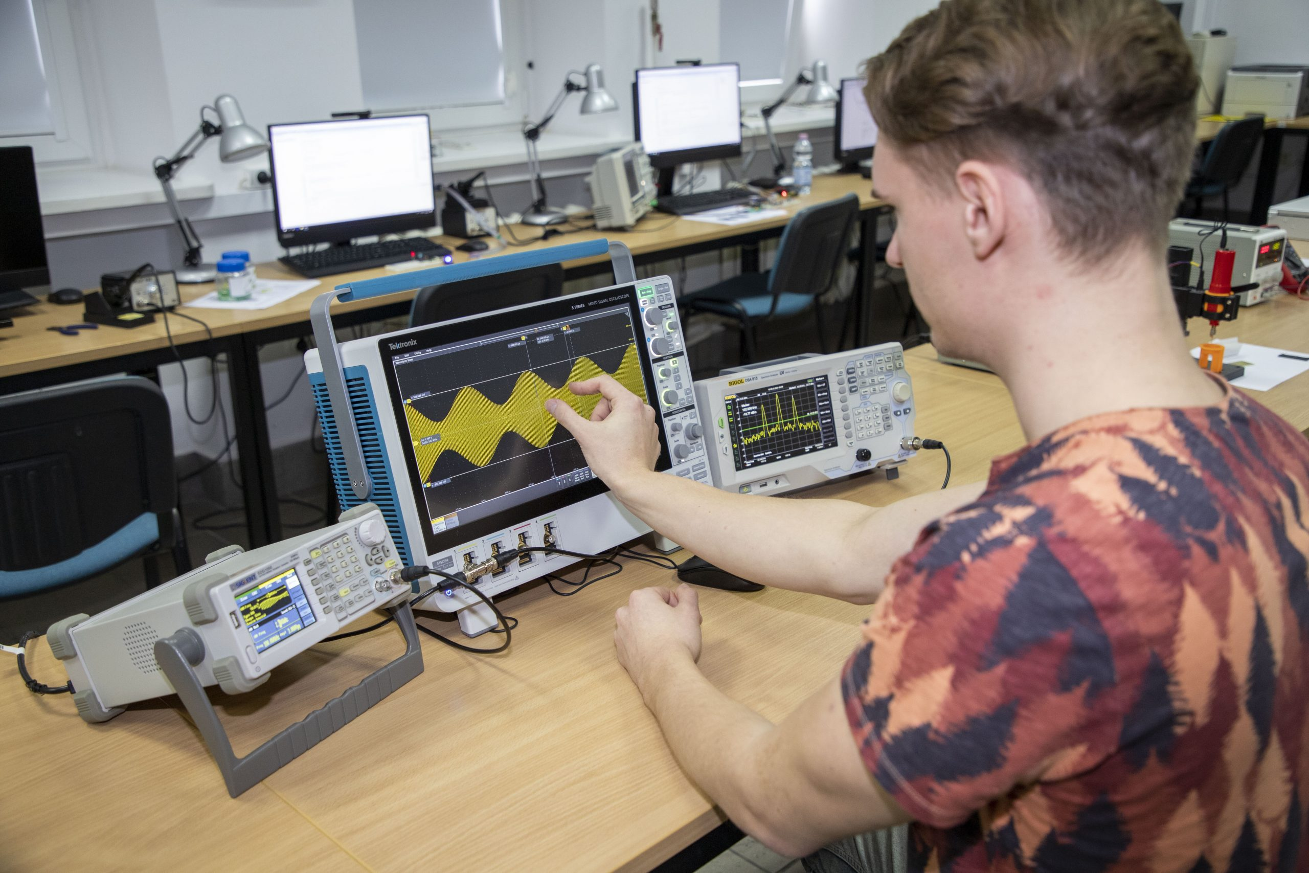 Wirtualny spacer po Wydziale Elektroniki WAT
